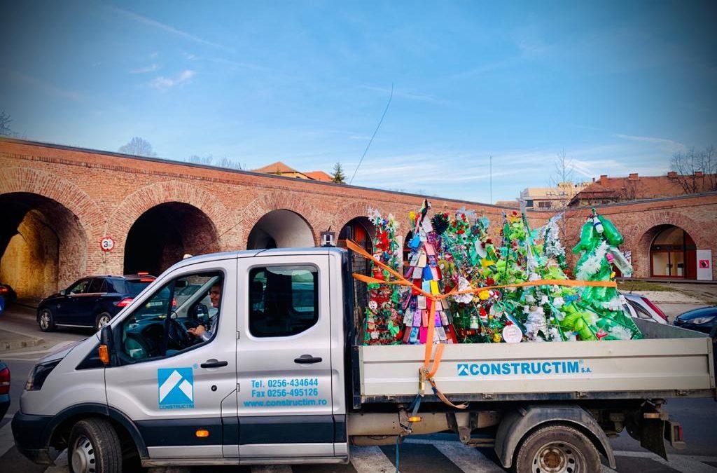 Brazi din materiale reciclabile, creaţia elevilor unor şcoli din Timişoara